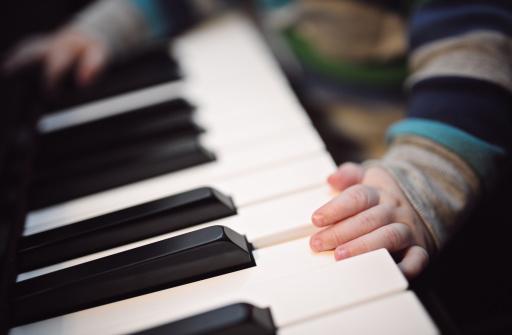 Đàn piano – phương pháp giáo dục và nuôi dưỡng tâm hồn hiệu quả cho trẻ