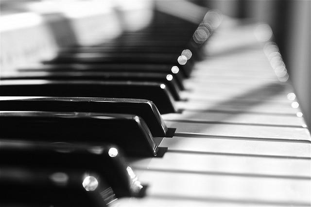 Kinh nghiệm mua đàn piano cho người mới tập