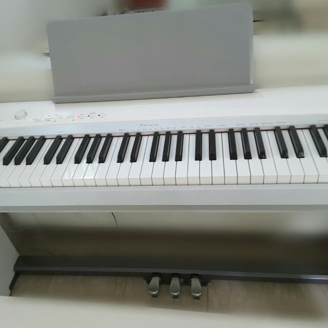 Đàn Piano Điện Casio Privia PX-135