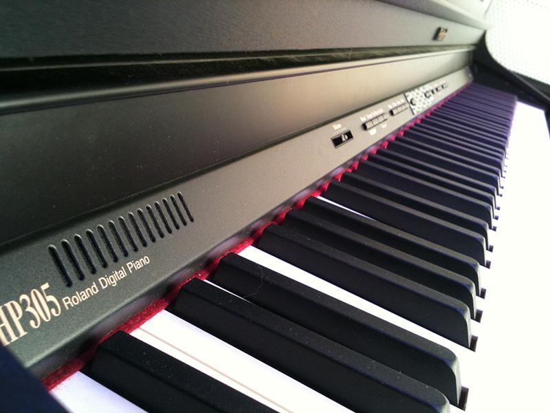 Đàn Piano Điện Roland HP-305