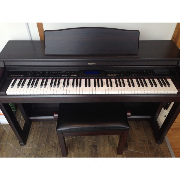 Đàn Piano Điện Roland HP-555G