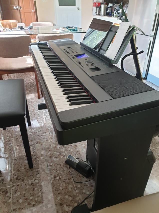 Đàn Piano Điện Yamaha DGX-660B (LP-7A)